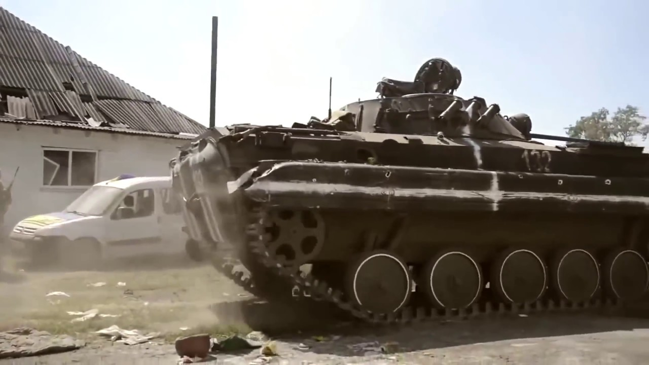 ШОКИРУЮЩЕЕ ВИДЕО С ЗОНЫ АТО Реальный Бой Украина 28 06 2017