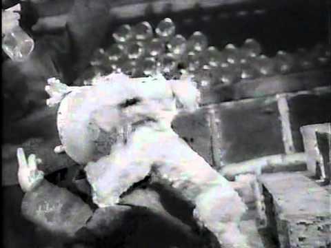 Tintin - Le Crabe aux Pinces d'or (1947) Drunk musical edit