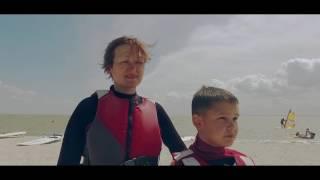 Семейный отдых на море в Акватория Лета Ейск на Азовском море. Обучение виндсерфингу для начинающих.