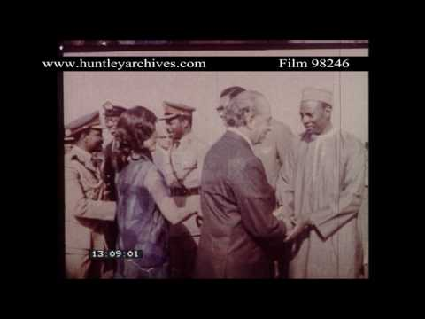 Nigeria's General Gowon meets President Bhutto.  Archive film 98246