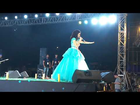Palak muchhal live performance in jamshedpur