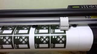 Режущий плоттер. Плоттерная резка плёнки .(Плоттерная резка наклеек. Мы можем изготовить и нарезать любые наклейки. Cvetreklama.ru cvet-reklama.ru., 2016-02-11T19:59:03.000Z)