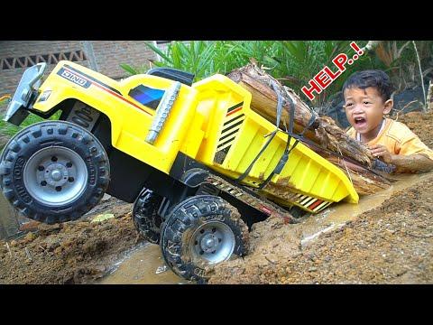 HELP, Truk Besar Masuk Lumpur...!