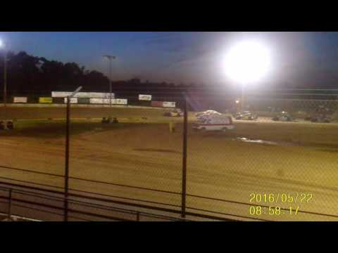 Lebanon Midway Speedway B Mod feature 5 22 16