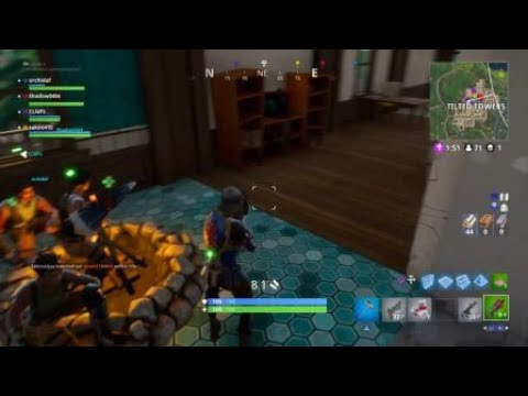 Fortnite_giving the bomb to the wrong person will make u camp in the bathroom !!!