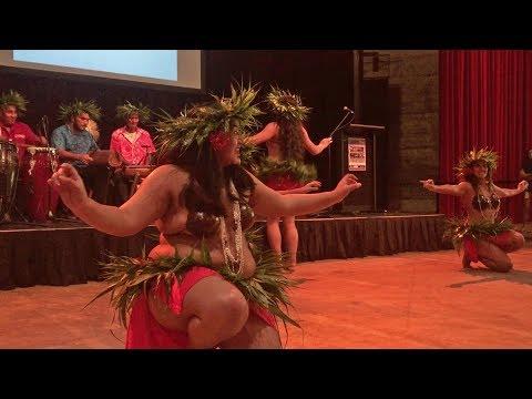 Cook Islands girls' dance