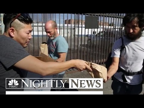 'Hashtag Lunchbag' Feeds The Homeless | NBC Nightly News