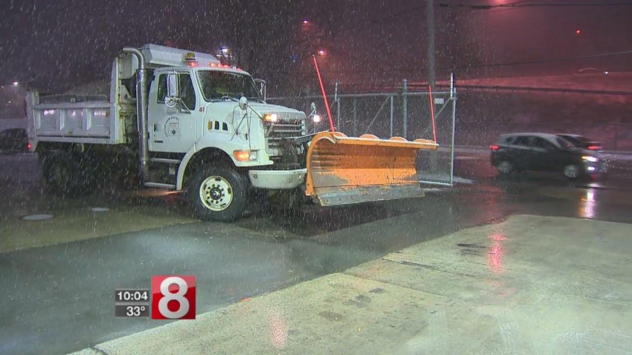 New Haven, area residents dealing with snowstorm - Dauer: 2 Minuten, 34 Sekunden