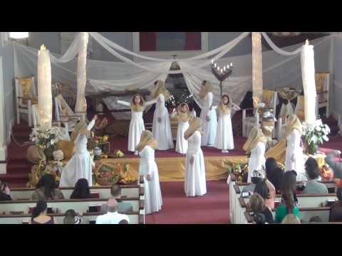 HEBREW How Great is our God | Gadol Elohai | First Fruit Service 2014 | Iglesia La Familia