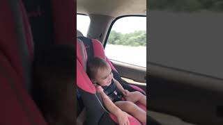 Baby getting down to Alicia keys
