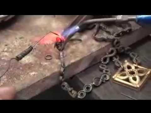 เครื่องประดับทองชุดที่ 2 (แนวความคิด : ลายไทย - ประจำยาม)