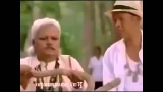 Troll Khmer happy