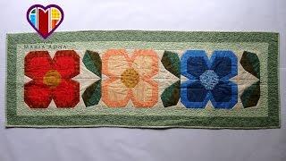 Caminho/trilho de mesa em patchwork Flores