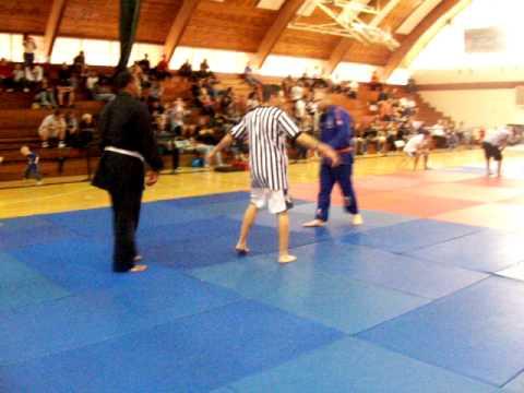 ju jitsu belt choke MICHAEL MORITZ vs. EARLY BRYANT