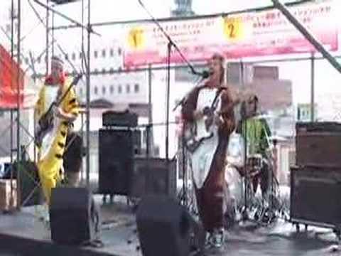 nanbanjin - corners (live) on Oita Forus Rooftop