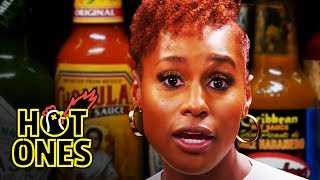 Baixar Issa Rae Raps While Eating Spicy Wings | Hot Ones