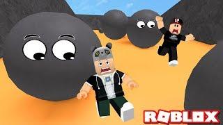 Wütende Steine kommen! Wir spielten kleine Spiele - Roblox Minispiele mit Panda