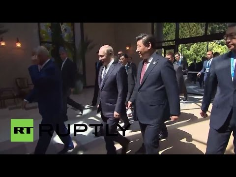 Uzbekistan: Putin and Jinping arrive on friendly terms for SCO meeting in Tashkent