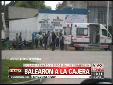C5N - POLICIALES: BALEARON A UNA CAJERA EN LUJAN