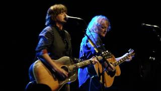 Watch Indigo Girls Ghost Of The Gang video