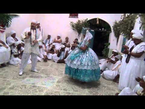 Candombl� - Rum de Yemanja - Sa�da do Yao e entrega de Adeka video 1