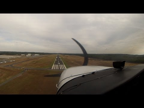 Traffic Pattern at Raleigh Executive Airport (KTTA) in Cessna 172S Skyhawk SP