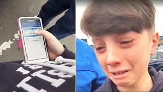 Als der Junge beim Abschied von seiner Oma am Flughafen auf das Handy sieht, bricht er in Tränen aus thumbnail