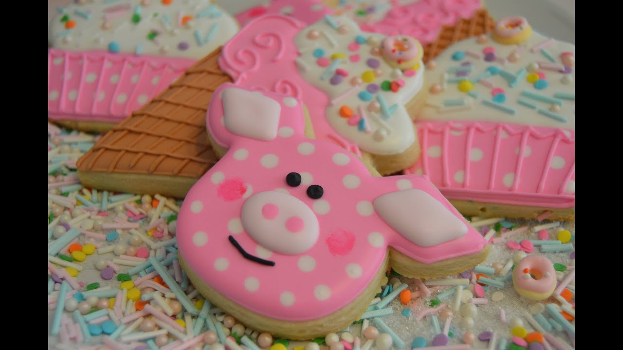 How To Decorate Pig Cookies Youtube