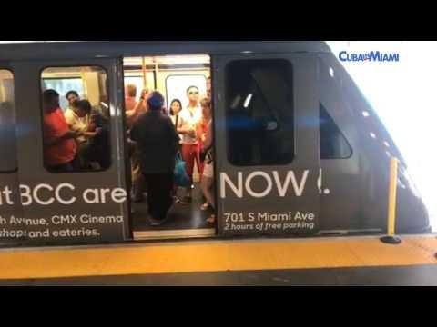 Recorrido en el Metro Mover de Miami
