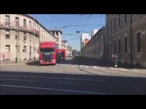 Partenza dei vigili del fuoco di Milano verso le zone terremotate