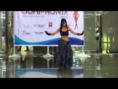 Belly Dance Act by Delhi Dance Academy's Indu at Oomphoria