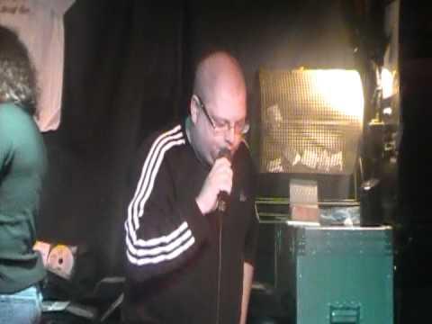 The Old Stuff- Garth Brooks- Cheers karaoke Halifax NS DEC 2011