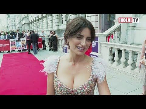 """El fabuloso vestido de Penélope Cruz en el estreno en Londres de """"Dolor y Gloria""""   ¡HOLA! TV"""