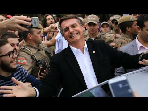 Recepcionado por multidão, Bolsonaro chega em clima de festa em Marabá/PA