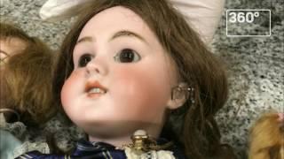 Гражданка Украины пыталась провезти в Москву 25 антикварных кукол XIX века