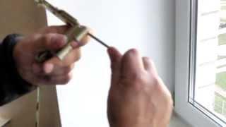 Снятие штапиков в окне и регулировка верхней петли(, 2013-11-03T16:43:31.000Z)