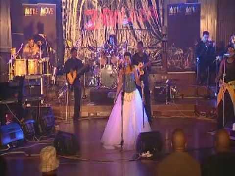 Thandiswa: Nizalwa Ngobani( Live)
