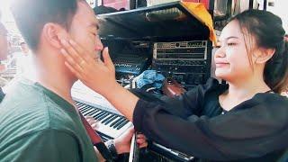 Download lagu KEROMANTISAN GITA ZHUKHO TERCIDUK DI BELAKANG SOUND MHS
