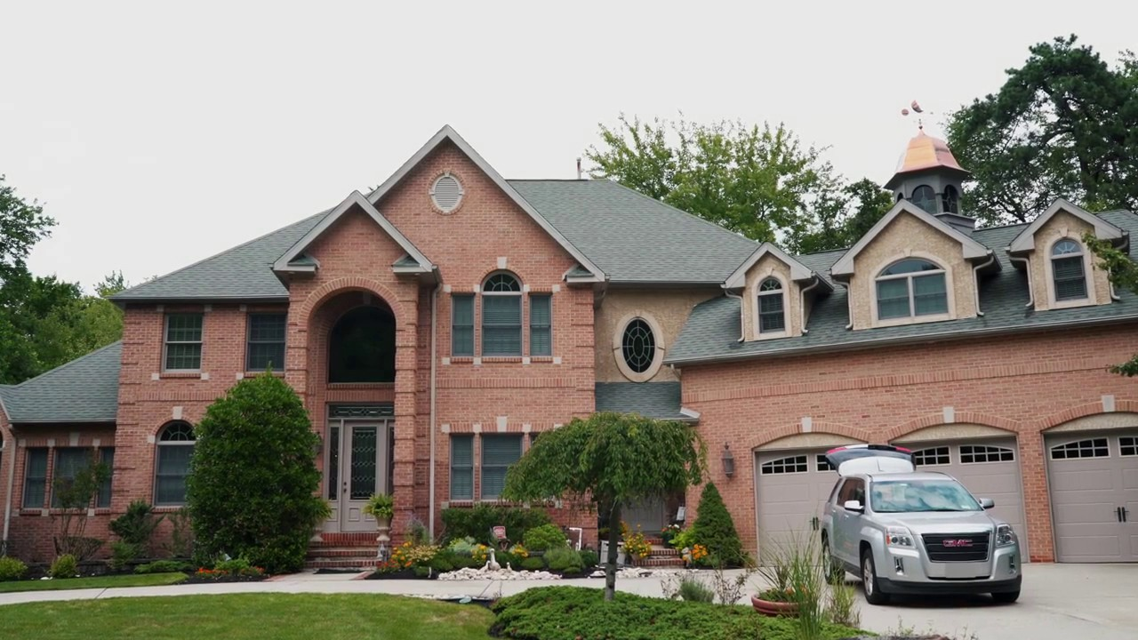 Photo: house/residence of cool 3 million earning Reston, Virginia-resident