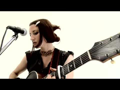 Jodie Holland: Palmyra live from BLURT TV studios
