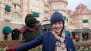 Natal Frozen na Disneyland Paris - Vlog: Euro Disney 1 - Julia Silva(No dia 25/12 eu fui para Disney de Paris e gravei um vlog para vocês. O parque é muito bonito e um pouco diferente do Magic Kingdom em Orlando.Espero ..., 2015-12-27T19:10:07.000Z)