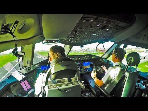 Dreamliner 787 Cockpit out of Amsterdam