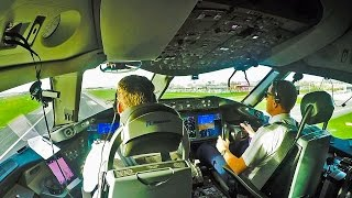 Dreamliner 787 Cockpit out of Amsterdam