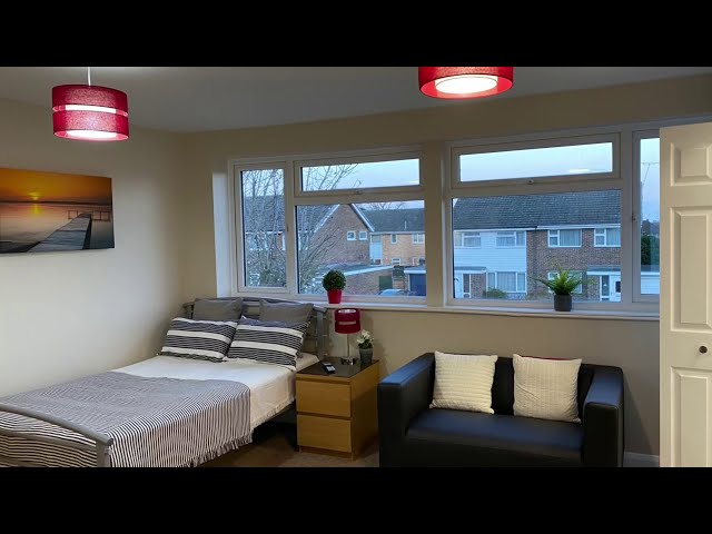 Double Ensuite Studio | Close to Station | Parking Main Photo