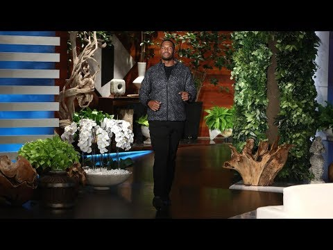 Michael Strahan Discusses NFL National Anthem Protests