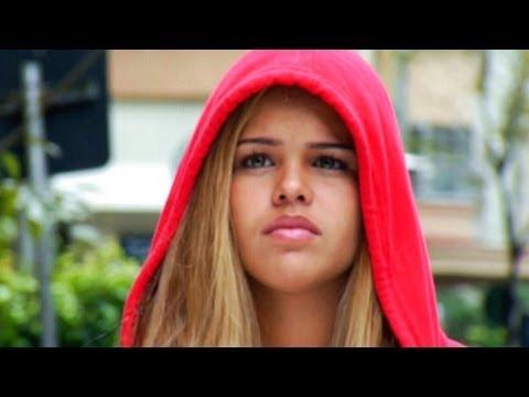 """""""cv,-a-verdadeira-história-de-chapeuzinho-vermelho""""-(trailer)"""