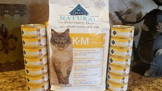 BLUE Natural Veterinary Diet KM Kidney + Mobility Support Cat Food Review & Comparison