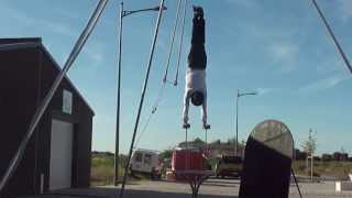 jay c handbalancer festival «à louest» 2013 handstand act