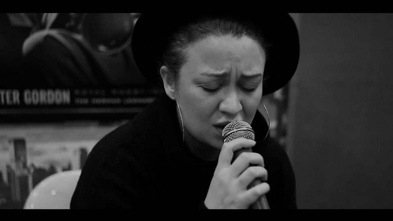 Download Ayçin Asan - Kavaklar ( Sezen Aksu Cover )