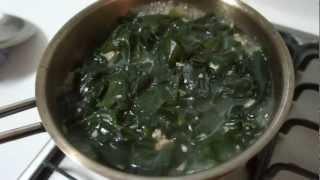 Let's Make Seaweed Soup (미역국)!